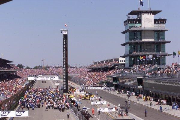 The Grid United States Grand Prix, Indianapolis 30 September 2001. DIGITAL IMAGE