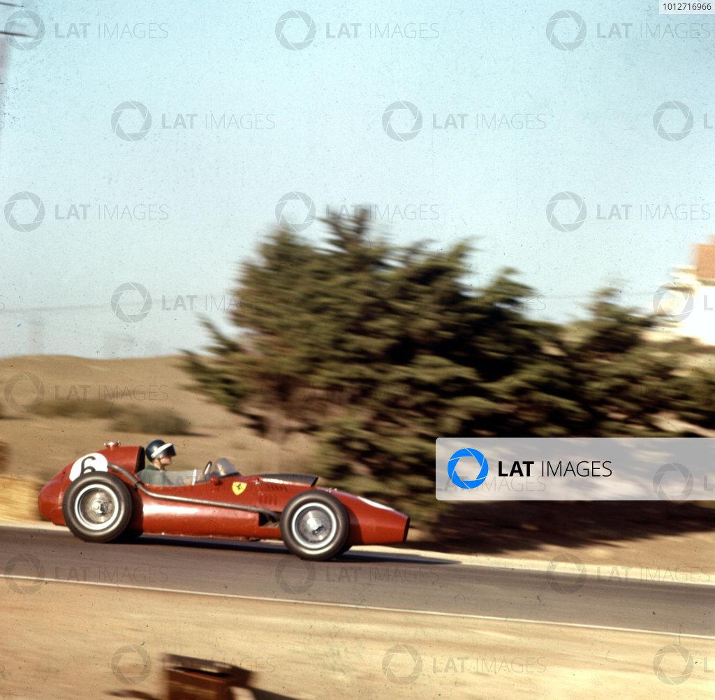 1958 Moroccan Grand Prix. Ain-Diab, Casablanca, Morocco. 17-19 October 1958. Mike Hawthorn (Ferrari Dino 246) 2nd position. World Champion. Ref: 3/0128. World Copyright - LAT Photographic