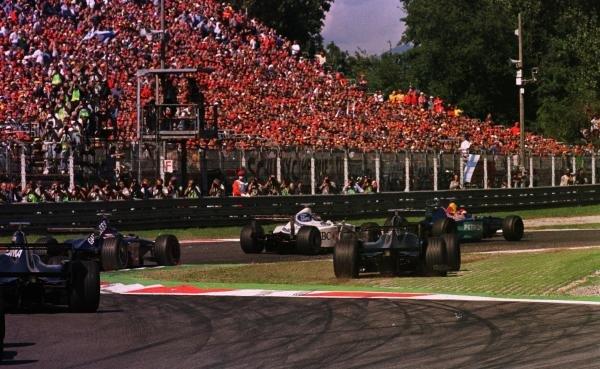 1998 Italian Grand Prix.Monza, Italy.11-13 September 1998.The start of the Italian Grand Prix.World Copyright - LAT Photographic