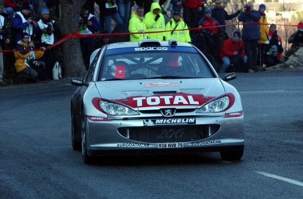2002 World Rally ChampionshipMonte Carlo Rally, 17-20 January 2002.Richard Burns during shakedown.Photo: Ralph Hardwick/LAT