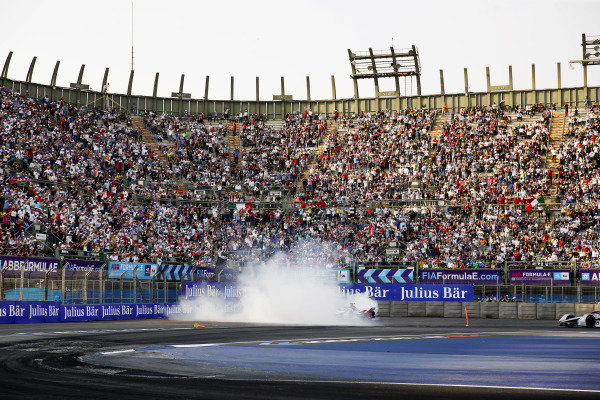 Lucas Di Grassi (BRA), Audi Sport ABT Schaeffler, Audi e-tron FE05, does donuts after winning the race