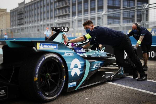 Tom Blomqvist (GBR), NIO 333, NIO 333 001, is returned to the garage