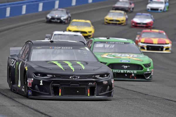 #1: Kurt Busch, Chip Ganassi Racing, Chevrolet Camaro Monster Energy, #21: Matt DiBenedetto, Wood Brothers Racing, Ford Mustang Menards / Quaker State