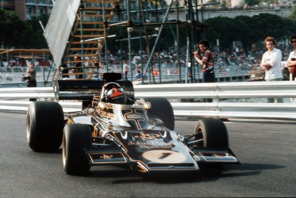 Monte Carlo, Monaco.31/5-3/6 1973.Emerson Fittipaldi (Lotus 72 Ford) 2nd position.Ref-35mm 73 MON 12.World Copyright - LAT Photographic