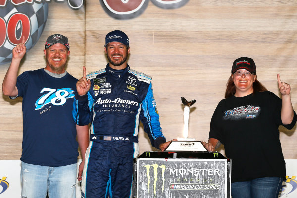 Monster Energy NASCAR Cup Series Go Bowling 400 Kansas Speedway, Kansas City, KS USA Sunday 14 May 2017 Martin Truex Jr, Furniture Row Racing, Auto-Owners Insurance Toyota Camry celebrates in victory lane  World Copyright: Russell LaBounty LAT Images ref: Digital Image 17KAN1rl_7943