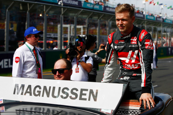 Albert Park, Melbourne, Australia. Sunday 26 March 2017. Kevin Magnussen, Haas F1, on the drivers' parade. World Copyright: Andy Hone/LAT Images ref: Digital Image _ONZ1483