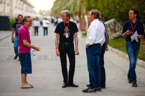Bahrain International Circuit, Sakhir, Bahrain.  Thursday 13 April 2017. Jacques Villeneuve with members of the media in the paddock. World Copyright: Andy Hone/LAT Images ref: Digital Image _ONZ7175