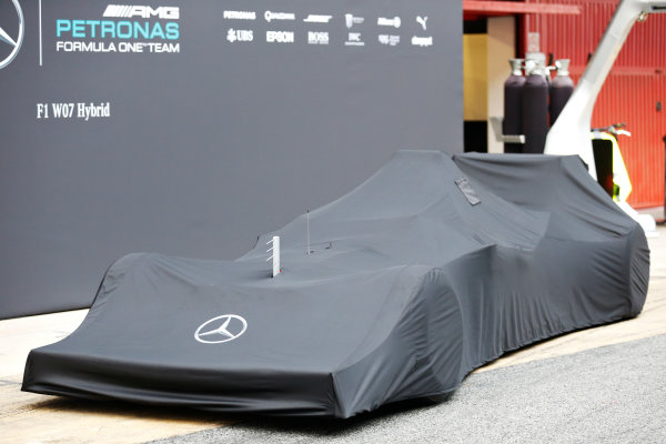 Circuit de Catalunya, Barcelona, Spain Monday 22 February 2016. The Mercedes F1 W07 Hybrid is unveiled. World Copyright: Alastair Staley/LAT Photographic ref: Digital Image _79P9181