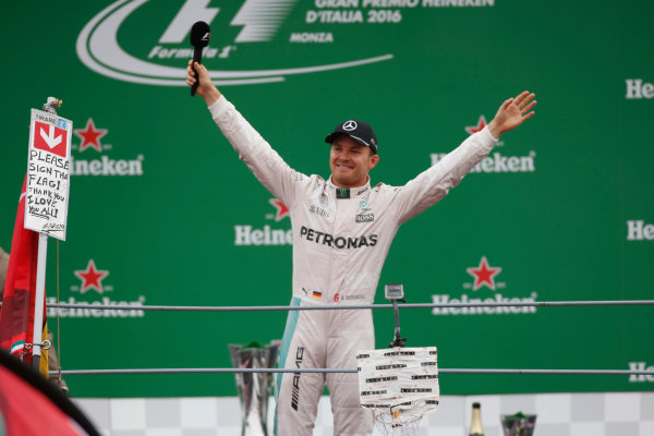 Autodromo Nazionale di Monza, Italy. Sunday 04 September 2016. Nico Rosberg, Mercedes AMG, celebrates on the podium. World Copyright: Sam Bloxham/LAT Photographic ref: Digital Image _SLA8788