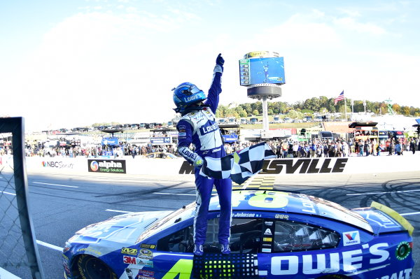 28-30 October, 2016, Martinsville, Virginia USA Jimmie Johnson celebrates after winning at Martinsville. ?2016, John Harrelson / LAT Photo USA