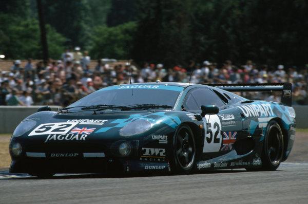 1993 Le Mans 24 Hours. Le Mans, France. 19th - 20th June 1993. Paul Belmondo/Jay Cochran/Andreas Fuchs (Jaguar XJ220 C), retired, action. World Copyright: LAT Photographic. Ref:  93LM33