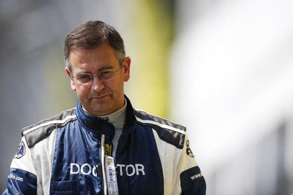 Marina Bay Circuit, Singapore. Sunday 21 September 2014. Doctor Ian Roberts, FIA Chief Medical Delegate. World Copyright: Charles Coates/LAT Photographic. ref: Digital Image _N7T4181