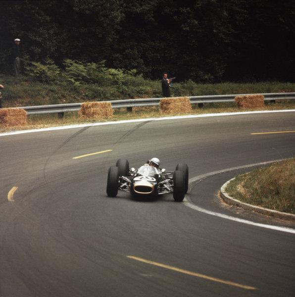 Rouen-les-Essarts, France.26-28 June 1964.Jack Brabham (Brabham BT7 Climax) 3rd position.Ref-3/1281.World Copyright - LAT Photographic