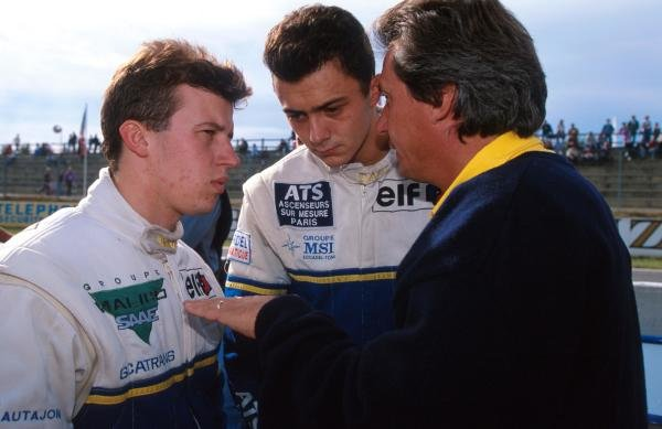 DAMS owner Jean Paul Driot (right) talks with his drivers: champion  Olivier Panis (left) (FRA) and race winner Frank Lagorce (FRA) 