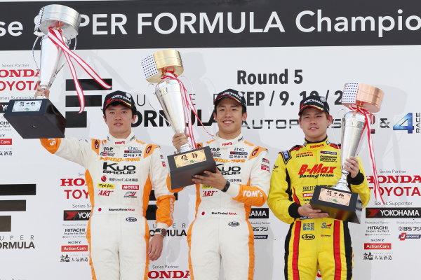2017 Japanese Formula 3 Championship Autopolis, Japan. 8th - 9th September 2017. Rd 17 & 18. Winner Sho Tsuboi ( #1 Corolla Chukyo Kuo TOM?S F317 ) 2nd position Ritomo Miyata ( Corolla Chukyo Kuo TOM?S F314 ) 3rd position Mitsunori Takaboshi ( #23 B-MAX NDDP F3 ) podium portrait World Copyright: Masahide Kamio / LAT Images Ref: 2017_JF3_Rd17&18_010