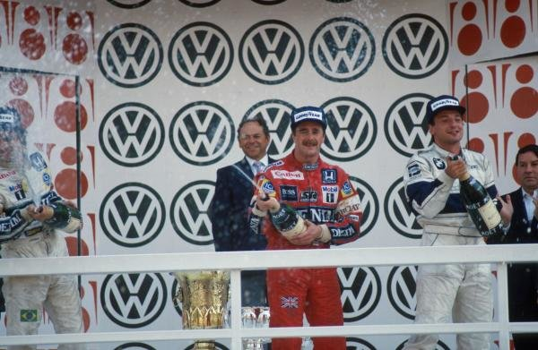 (L to R) 2nd place Nelson Piquet (BRA). Winner Nigel Mansell (GBR). 3rd place Ricardo Patrese (ITA). Mexican Grand Prix, Mexico City, 18 October 1987