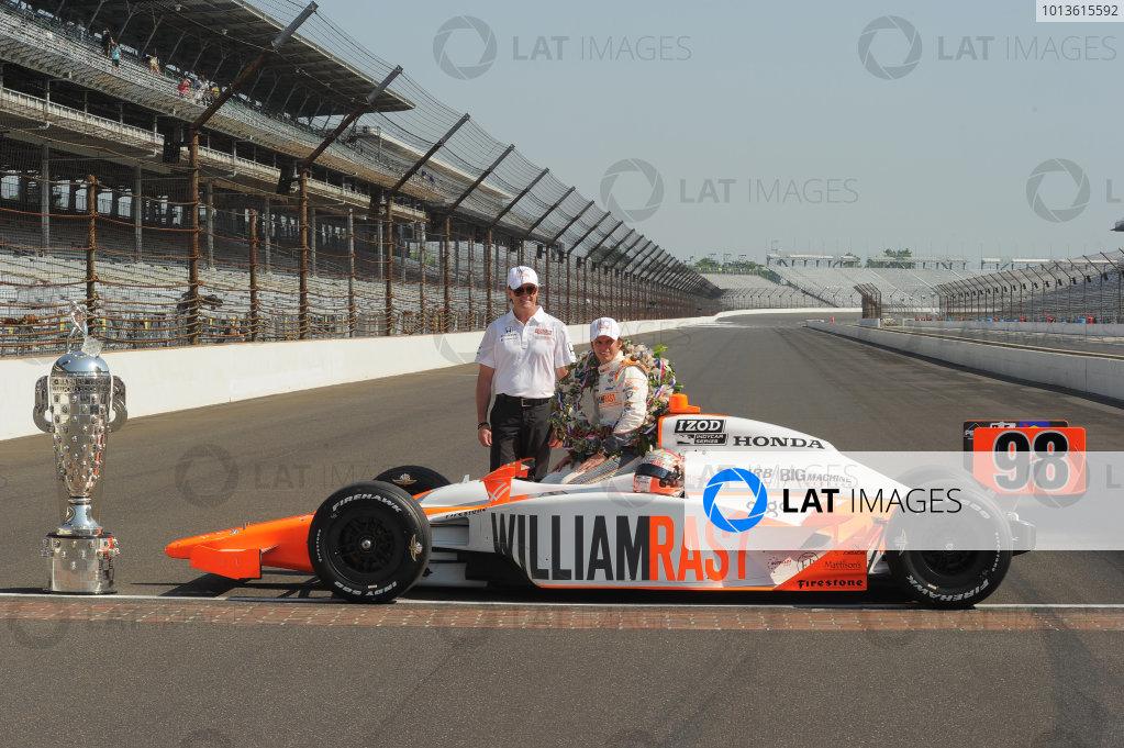 23  May 2011, Indianapolis, Indiana USA2011 Indy 500 winner, Dan Wheldon with Steve Newley©2011 Dan R. Boyd Lat Photo USA