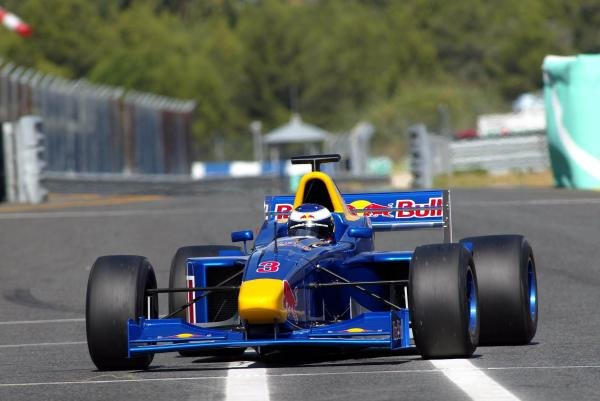 Scott Speed (USA) tests an F3000 car.Red Bull US Driver Search, Estoril, Portugal, 12-13 October 2004.DIGITAL IMAGE