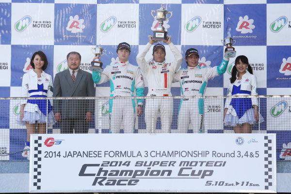 2014 All-Japan F3 Championship Motegi, Japan. 10th - 11th May 2014. Rd 2. Race 3. Winner Nobuharu Matsushita ( #7 HFDP RACING ) 2nd position Kenta Yamashita ( #36 PETRONAS TEAM TOM'S ) 3rd position Takamoto Katsuata ( #1 PETRONAS TEAM TOM'S ) podium, portrait. World Copyright: Yasushi Ishihara / LAT Photographic. Ref: 2014JF3_Rd3-5_023.JPG