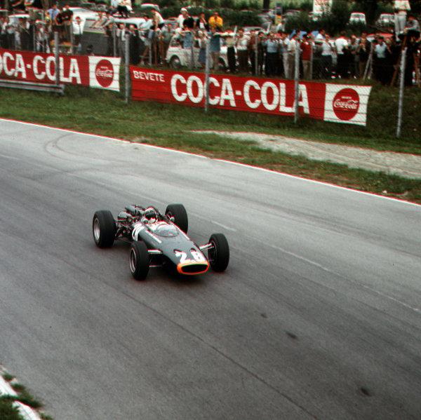 Monza, Italy. 2-4 September 1966.Jackie Stewart (BRM P83).Ref-3/2369.World Copyright - LAT Photographic