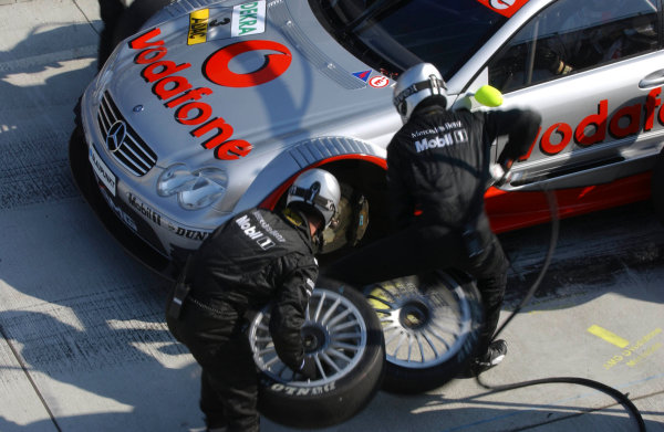 2003 DTM Championship Lausitz, Germany. 6th - 8th June 2003Bernd Schneider, pitstop.World Copyright: Andre Irlmeier/LAT Photographic