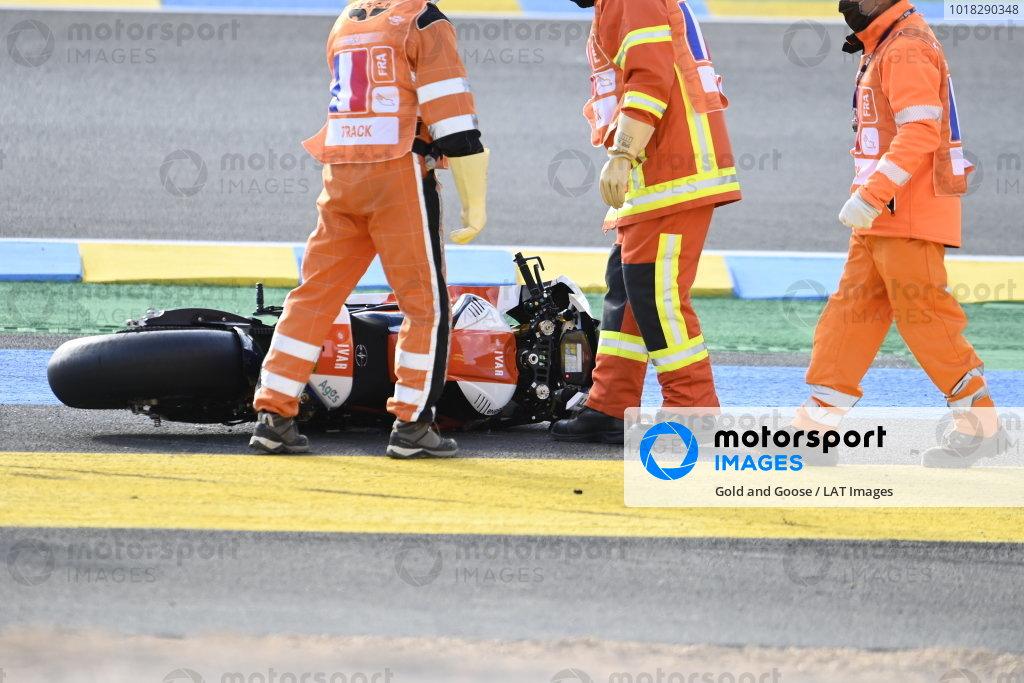Bike of Xavier Simeon, LCR E-Team after the crash.