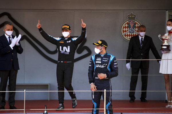 Race Winner Guanyu Zhou (CHN, Uni-Virtuosi Racing) ans Roy Nissany (ISR, DAMS) celebrate on the podium