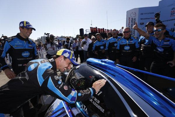 #10: Konica Minolta Acura ARX-05 Acura DPi, DPi: Ricky Taylor, Filipe Albuquerque, winner, victory lane