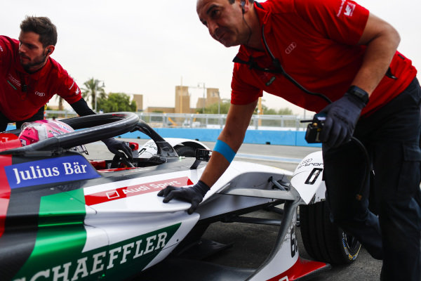 Nico Muller (CHE), Audi Sport ABT Schaeffler, Audi e-tron FE05 return to the garage