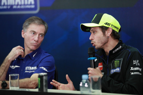Lin Jarvis, Valentino Rossi, Yamaha Factory Racing.