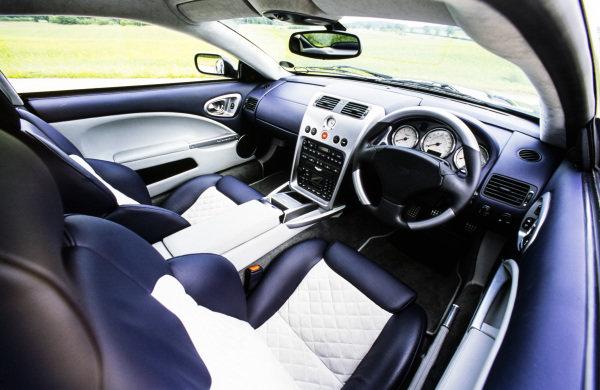 Aston Martin, Vantage, 2001