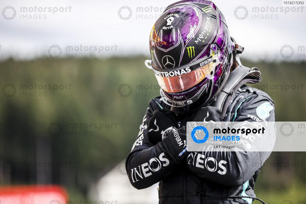 Pole Sitter Lewis Hamilton, Mercedes-AMG Petronas F1 celebrates in Parc Ferme