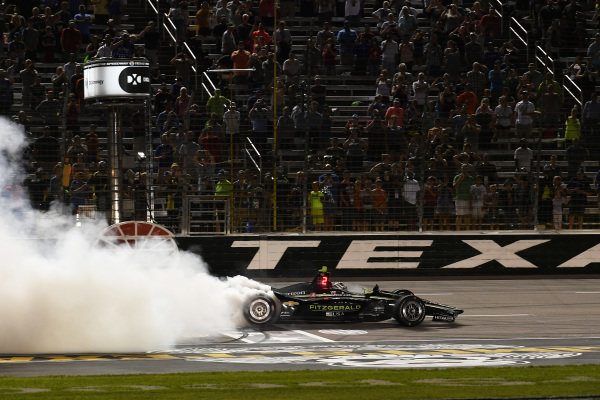 Josef Newgarden, Team Penske Chevrolet celebrates the win with a burn out
