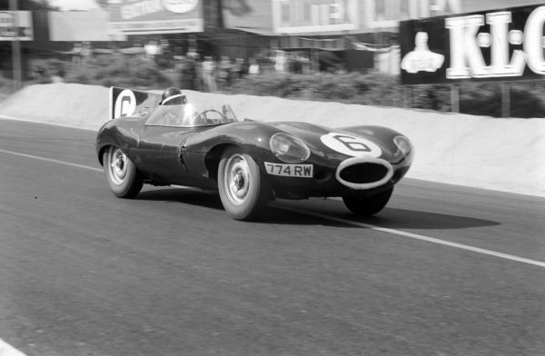 Mike Hawthorn / Ivor Bueb, Jaguar Cars, Jaguar D-type.