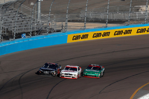 NASCAR XFINITY Series Ticket Galaxy 200 Phoenix Raceway, Avondale, AZ USA Saturday 11 November 2017 Christopher Bell, Safelite Toyota Camry, Cole Custer, Haas Automation Ford Mustang, Daniel Hemric, Blue Gate Bank Chevrolet Camaro, three-wide  World Copyright: Michael L. Levitt LAT Images