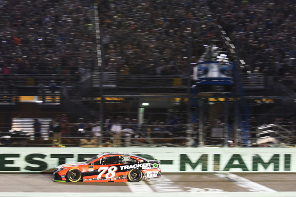 Monster Energy NASCAR Cup Series Homestead-Miami Speedway, Homestead, Florida USA Sunday 19 November 2017 2017 champion Martin Truex Jr, Furniture Row Racing takes the checkered flag to win World Copyright: Rainier Ehrhardt / LAT Images ref: Digital Image cup-homestead-race-2080