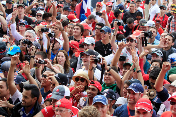 Circuit of the Americas, Austin, Texas, United States of America. Saturday 16th November 2013.  Fans gather around the live stage. World Copyright: Charles Coates/LAT Photographic. ref: Digital Image _X5J9721