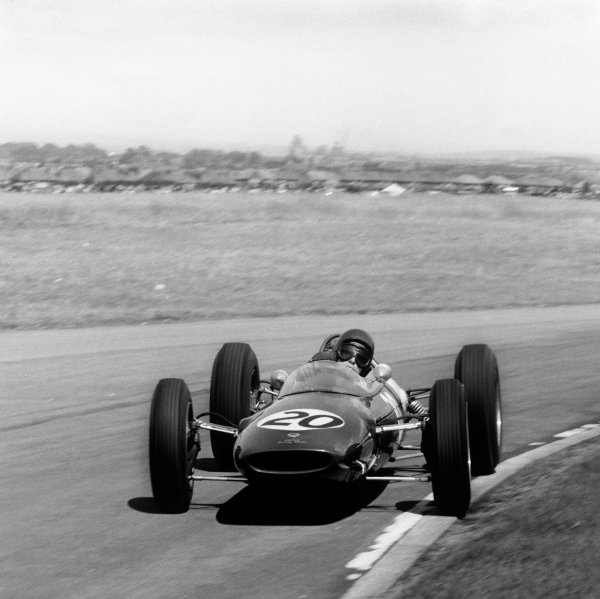 Aintree, England. 19-21 July 1962. Jim Clark (Lotus 25 Climax) 1st position, action.  Ref-14785. World Copyright - LAT Photographic.