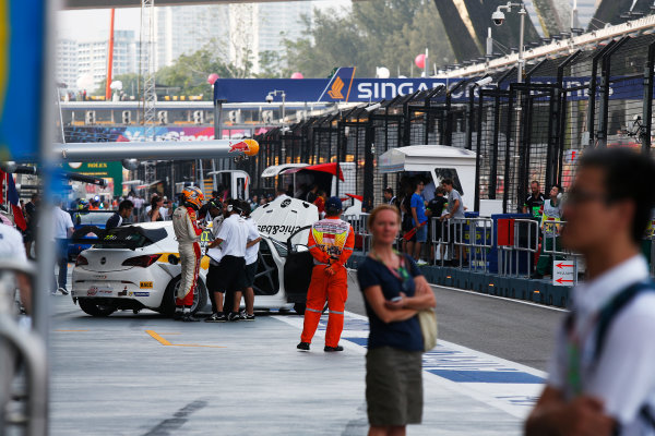 2015 TCR International Series Round 9. Marina Bay Circuit, Singapore. Sunday 20 September 2015. Fernando Monje, No.22 Campos Racing. World Copyright: Sam Bloxham/LAT Photographic. ref: Digital Image _SBL8799
