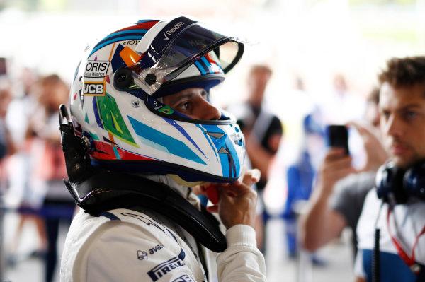 Spa Francorchamps, Belgium.  Saturday 26 August 2017. Felipe Massa, Williams Martini Racing, adjusts his helmet ahead of FP3. World Copyright: Glenn Dunbar/LAT Images  ref: Digital Image _31I5678