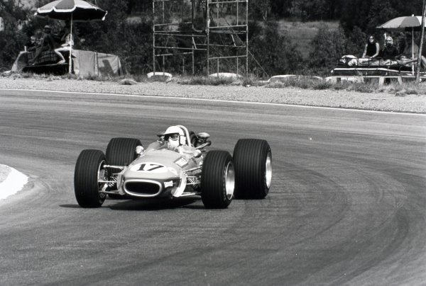 1969 South African Grand Prix Kyalami, South Africa. 1 March 1969 Sam Tingle, Brabham BT24-Repco, 8th position, action World Copyright: LAT PhotographicRef: 2328 #24A