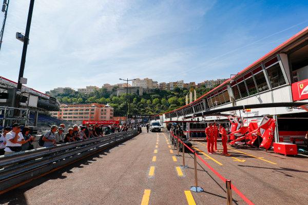 Monte Carlo, Monaco. Wednesday 24 May 2017. Ferrari pits. World Copyright: Sam Bloxham/LAT Images ref: Digital Image _J6I9707