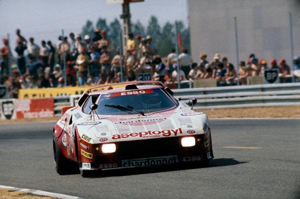 Le Mans, France. 12th - 13th June 1976. Christine Dacremont / Lella Lombardi (Lancia Stratos Turbo), 21st position, action. World Copyright: LAT Photographic. Ref: 76LM