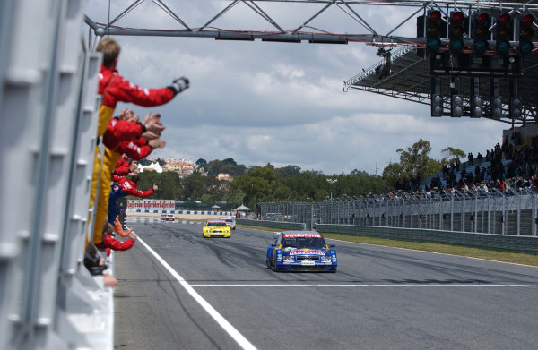 2004 DTM ChampionshipEstoril, Portugal. 1st - 2nd May 2004.Martin Tomczyk (Abt Sportsline Audi A4) crosses the finish line to take 3rd position ahead of Tom Kristensen (Abt Sportsline Audi A4).World Copyright: Andre Irlmeir/LAT Photographicref: Digital Image Only