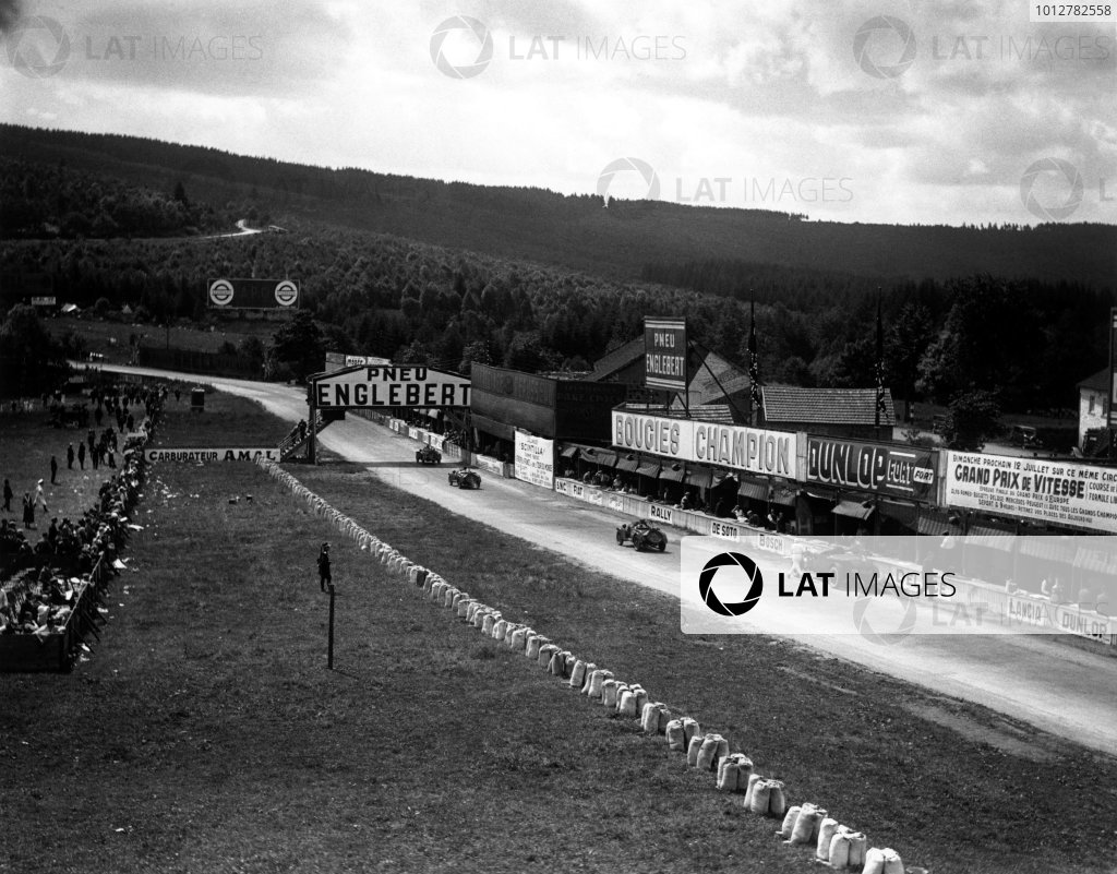 1931 Belgian Grand Prix.  Spa-Francorchamps, Belgium.  Pit stops were a necessity on this 10-hour race.  World Copyright - LAT Photographic. Exhibition ref: a087