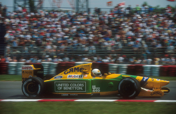 1992 Canadian Grand Prix.Montreal, Quebec, Canada.12-14 June 1992.Martin Brundle (Benetton B192 Ford). He exited the race with gearbox failure whilst lying in second place.Ref-92 CAN 03.World Copyright - LAT Photographic