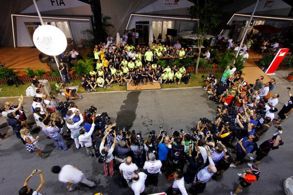 Marina Bay Circuit, Singapore. Sunday 22nd September 2013.  Red Bull Racing celebration team photo.  World Copyright: Jed Leicester/LAT Photographic. ref: Digital Image _JED3127