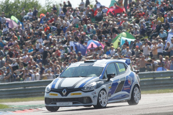 2016 Renault Clio Cup, Thruton, 7th-8th My 2016 Sam Watkins (GBR) 20Ten Racing Renault Clio Cup  World copyright. Jakob Ebrey/LAT Photographic