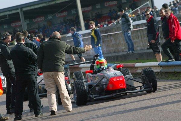 Race 2 - Yelmer Buurman (NED) Fortec Motorsport 1st.British Formula Three, Thruxton, England.23rd September 2006DIGITAL IMAGE
