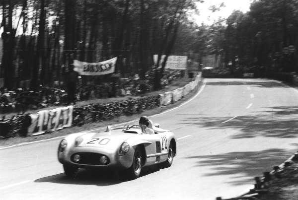 """Le Mans, France. 11-12 June 1955.""""Pierre Levegh""""/John Fitch (Mercedes-Benz 300SLR). After 2 hours of the race """"Levegh"""" crashed into the crowd killing himself and 82 spectators in the worst accident in motor racing history. Ref-Motor 5682L/12.World Copyright - LAT Photographic"""